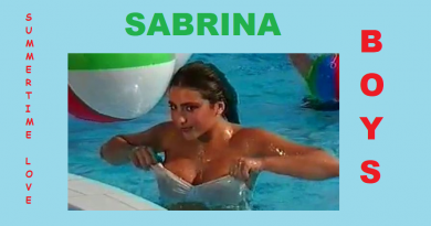 Vezi cum arată Sabrina la 53 de ani